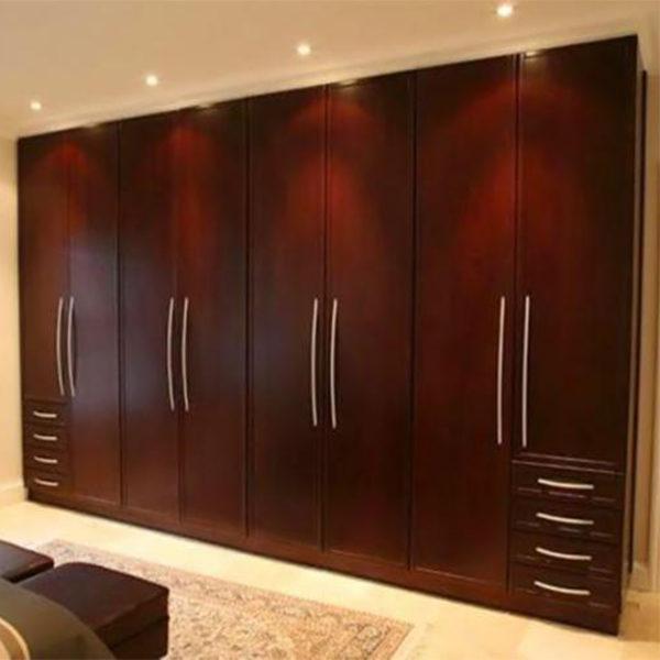 wall-to-wall wardrobe